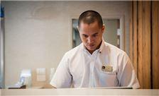 Best Western Plus Bayside Inn - Hotel Front Desk